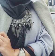 statement necklace with gray coat, How to wear statement necklace with hijab http://www.justtrendygirls.com/how-to-wear-statement-necklace-with-hijab/