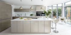A contemporary kitchen that's a super-sleek dream