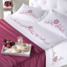 Vintage linens would look even better.
