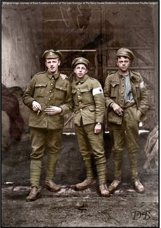 """For medic's F&B ref"""" The Lost Tommies"""" - Three slightly dishevelled young Royal Army Medical Corps men. British Soldier, British Army, World War One, First World, Army Medic, Ww1 Photos, Ww1 Soldiers, War Photography, Men In Uniform"""