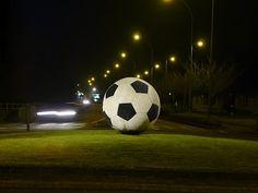 Rond-point du ballon rond Saint-Sébastien-sur-Loire (44)