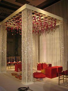 A simple Indian wedding stage decorations Wedding Stage Decorations, Marriage Decoration, Altar Decorations, Home Wedding, Trendy Wedding, Wedding Ideas, Desi Wedding, Mandap Design, Decoration Photo