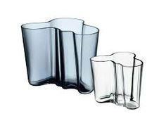 The best design for throw the flowers in! Vases / Alvar Aalto / Iittala /1936