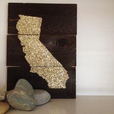 DIY glitter pallet art