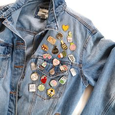 Enamel Pins styles on jean jacket outfit #jeanajacket #jeanjacketoutfit #enamelpins #enamelpin #pins #lapelpin #style