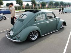 vw cal look Vw Racing, Lowered Trucks, Old School Cars, Modified Cars, Vw Beetles, Cars And Motorcycles, Classic Cars, Vehicles, Vw Bugs