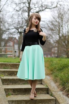 Mint green circle skirt, leopard print accessories and an Erstwilder dog brooch Dressy Casual Outfits, Girly Outfits, Modest Outfits, Pretty Outfits, Pastel Fashion, Boho Fashion, Girl Fashion, Vintage Winter Fashion, Old Fashioned Hairstyles