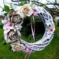 Summer Wreath, Pastel, Wreaths, Cake, Door Wreaths, Deco Mesh Wreaths, Floral Arrangements, Crayon Art, Garlands