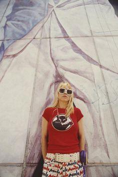 Singer and bassist Kim Gordon of American alternative rock group Sonic Youth, New York City, June Kim Gordon, Rock Groups, Important People, T Shirt Photo, Fashion 2017, Youth, Singer, Shirt Dress, Mens Tops