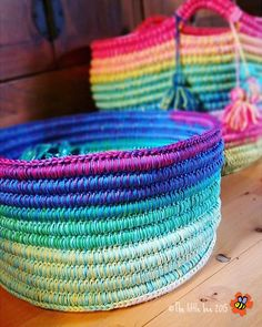 The Ropey Rainbow Basket by The little bee (free tutorial) http://www.ravelry.com/patterns/library/ropey-rainbow-basket