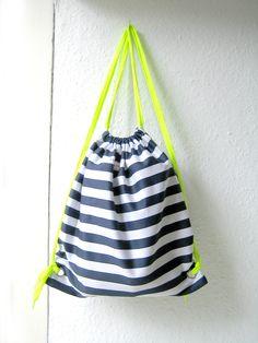 "Turnbeutel ""Neon"" // backpack by reichundglücklich via DaWanda.com"
