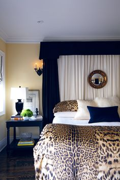 cheetah print bedroom leopard print bedroom and leopard bedroom decor