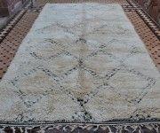 Love this super vintage Beni Ouarain Carpet! http://beyondmarrakech.com