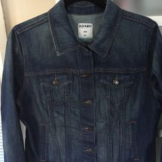 Classic Jeans Jacket in perfect condition This classic jeans jacket is a size large. It is from Old Navy. It is well-made and in excellent condition. Material is 80% cotton 19% polyester 1% spandex. Old Navy Jackets & Coats Jean Jackets
