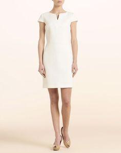Vestido para el trabajo blanco. Sencillo y elegante.