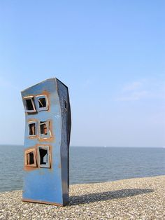 exto.nl | Blauw* van Alinda Ottens Land Art, Metal Working, Contemporary Art, Buildings, Arch, Passion, Outdoor Decor, Design, Home Decor
