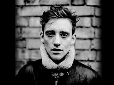 This week's Listen of the Week hails from Northern Ireland and Derry-Londonderry to be precise. Rosborough is the Singer Songwriter Glen Rosborough and although your ears may only be welcoming him recently, he has in fact been practicing his musical talents for most of his life.