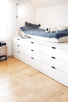 Picture of Merlynn & SoLebIch.de The post Picture of Merlynn appeared first on Dekoration. Small Room Bedroom, Teen Bedroom, Girl Bedroom Designs, Ikea Bed, Dream Rooms, Bed Design, Girl Room, Home Decor, Ikea Platform Bed Hack