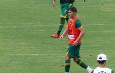 Prestigiado, Matheus Pet volta a ser titular em treinamento do Vasco