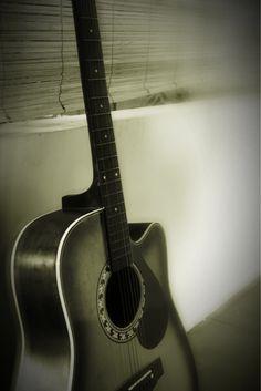 An old guitar