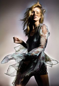 Kate Moss pour Topshop, les premières images http://www.vogue.fr/mode/news-mode/diaporama/kate-moss-pour-topshop-les-premieres-images/18275/image/992586