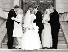 parents kissing on the wedding day. adorable <3