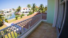 Lujosa y amplia casa en Isla alegre, dentro de Isla Dorada en la Zona Hotelera de Cancún. #CostaRealty.