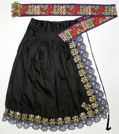 Apron Date: Culture: Slovak Medium: wool, silk Vintage Apron Pattern, Aprons Vintage, Ethnic Outfits, Ethnic Clothes, Folk Costume, Costumes, Bohemian Girls, Metropolitan Museum, Traditional Dresses