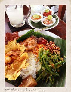 Nasi Campur Bali (Balinese mix rice) @ Batan Waru, Kuta - Bali Copyrights Vivi Kembang Tanjoeng.
