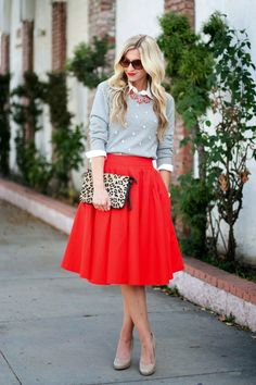 Gorgeous Skirt Work Outfits For Office Women (40)