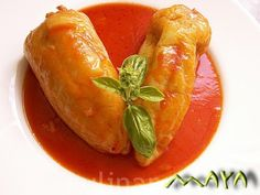 Ardei umpluti fierti in sos de rosii Thai Red Curry, Yummy Food, Stuffed Peppers, Vegetables, Ethnic Recipes, Delicious Food, Stuffed Pepper, Vegetable Recipes, Stuffed Sweet Peppers