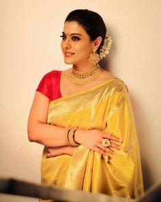 Saree look - 10 Jewellery Inspirations From The All Time Favourite Actress Kajol! – Saree look Indian Beauty Saree, Indian Sarees, Ethnic Sarees, Bengali Saree, Bollywood Stars, Kajol Saree, Banarsi Saree, Saree Jewellery, Saree Hairstyles