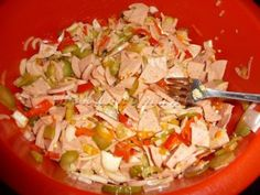 Camping salát – PEKÁRNOMÁNIE Pasta Salad, Ham, Salad Recipes, Cabbage, Food And Drink, Meals, Vegetables, Cooking, Ethnic Recipes