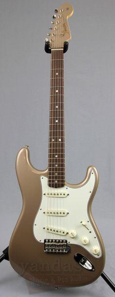 Fender American Vintage '65 Stratocaster Electric Guitar Fender has re-invented the entire vintage-reissue concept-restoring original tooling dies, voicing new pickups, reformulating vintage colors an