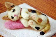 Hamanaka-Japanese-Wool-Needle-FELT-KIT-Tortoiseshell-Three-Color-Cat-KIT