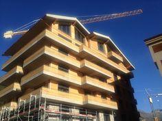Apartmenthaus Gemse in der Septembersonne von Andermatt.