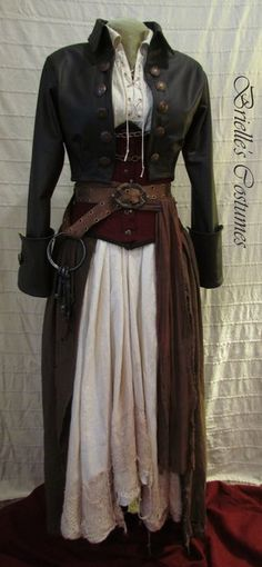 Mmmm, I could use this for a pirate steampunk costume ; Costume Steampunk, Mode Steampunk, Steampunk Pirate, Steampunk Wedding, Steampunk Clothing, Steampunk Fashion, Steampunk Female, Gothic Fashion, Steampunk Dress