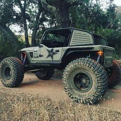 Lets roll... #rockstargarage #cj7 #jeep #jeepfam #bestoffroad #jeepbeef #awesome #explore