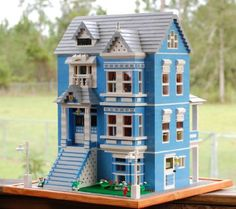 Blue Victorian House: A LEGO® creation by Rita Stallings : MOCpages.com