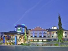 Ashland (OH) Holiday Inn Express Hotel And Suites Ashland United States, North America The 3-star Holiday Inn Express Hotel And Suites Ashland offers comfort and convenience whether you're on business or holiday in Ashland (OH). The hotel offers guests a range of services and amenities designed to provide comfort and convenience. Facilities like free Wi-Fi in all rooms, facilities for disabled guests, Wi-Fi in public areas, car park, meeting facilities are readily available fo...