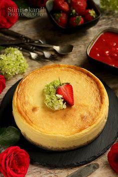 Sünis kanál: Sajttorta eperöntettel Ricotta, Pudding, Desserts, Food, Tailgate Desserts, Deserts, Custard Pudding, Essen, Puddings