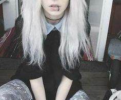 (1) Białe włosy - Zdjęcia użytkownika Białe włosy | via Facebook