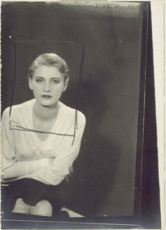 vintage everyday: Much More Than a Muse – 25 Beautiful Black-and-White Portraits of Lee Miller Taken by Man Ray in Paris from 1929 to 1932 Lee Miller, Man Ray Photographie, Frances Movie, Liberation Of Paris, Edward Steichen, Photo Images, Photo D Art, Musa, School Photos