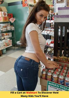 35 Photos That Prove Walmart Is One of the Strangest Places On the Planet Superenge Jeans, Sexy Jeans, Skinny Jeans, Curvy Jeans, Beauty Full Girl, Beauty Women, Arte Do Sistema Solar, Sexy Hot Girls, Cute Girls