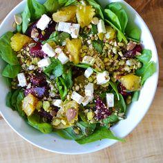 Salade van spinazie, biet, sinaasappel en feta