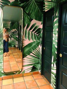 Palm Wallpaper, Bathroom Wallpaper, Print Wallpaper, Office Wallpaper, Pink Jungle Wallpaper, Pink And Green Wallpaper, Tropical Bathroom, Bathroom Pink, Tropical Bedrooms