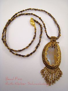 Perlenstickerei Jaspis Anhänger Halbedelstein Schmuck von BeadFizz