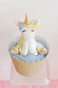Swoon over this gorgeous unicorn birthday party! Love the unicorn cupcakes!! See more party ideas and share yours at CatchMyParty.com #catchmyparty #partyideas #unicorn #unicornparty