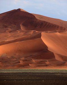 Sossusvlei Sand Dune, Sossusvie, Namibia
