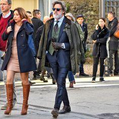 いいね!118件、コメント1件 ― 男前研究所/OTOKOMAE 公式アカウントさん(@otokomaeken)のInstagramアカウント: 「. バブアーのワックスドジャケットにネイビースーツを合わせたスタイリング。ワックスドジャケット特有の表情がこなれ感あるスーツスタイルを構築している。 . #スーツ #ネイビースーツ #オッドジレ…」